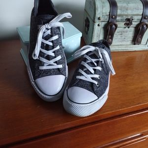 EUC Airwalk Sneakers size 10